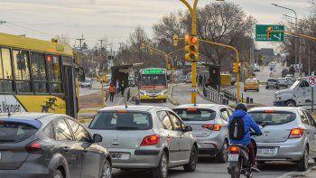 la imprevision complica la circulacion del metrobus