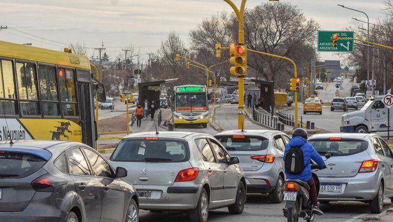 Metrobús: la imprevisión complica la circulación