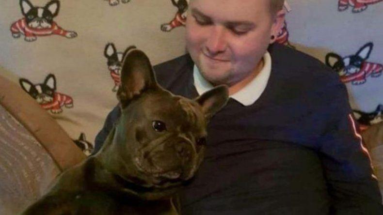 Murió de cáncer en su casa y su perro falleció 15 minutos después