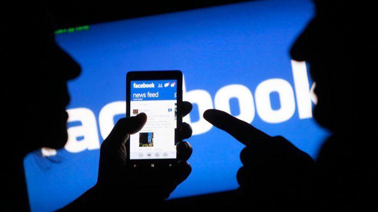Facebook contratará periodistas para dar batalla a las fake news