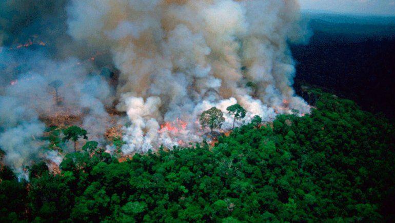 El fuego de Amazonas se traslada de Brasil hasta Perú y Bolivia