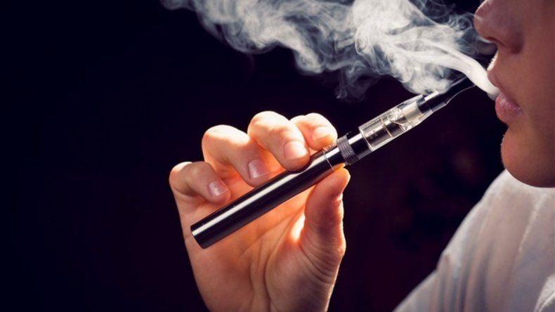 India: fumar un cigarrillo electrónico te puede llevar a la cárcel