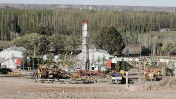 empleo petrolero: el dnu del barril afecta a centenario