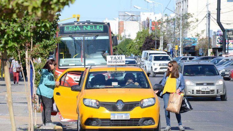 La Muni quiere poner cámaras en taxis, colectivos y remises para combatir la inseguridad
