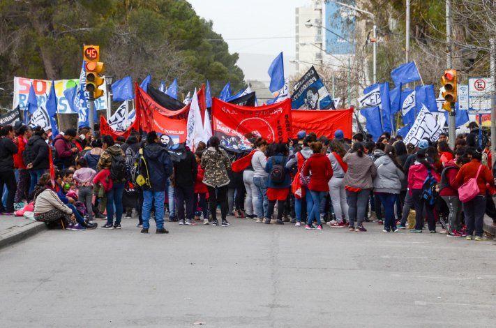 Protestas sociales complicarán la mañana del jueves en Neuquén, Plottier y Zapala