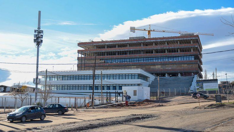 Un sueño corto: Pechi se muda al edificio del oeste