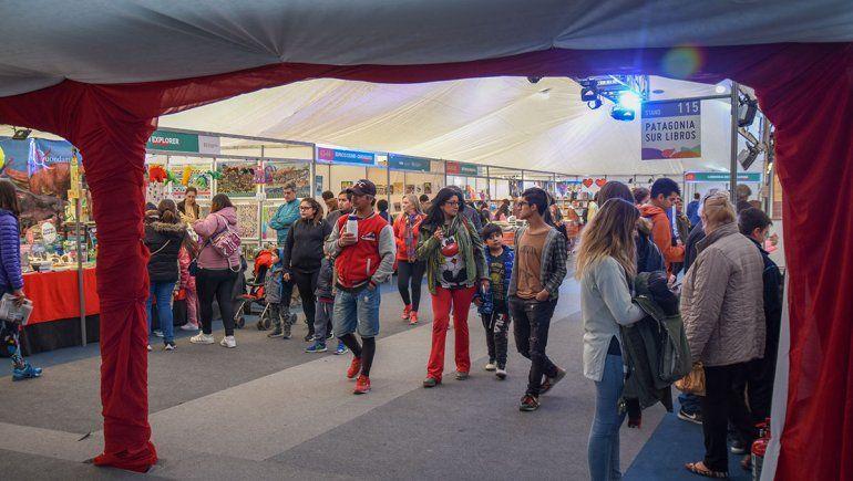 Por la Feria del Libro ya pasaron 30 mil personas