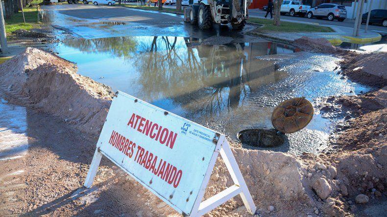 Ciudad nauseabunda: otro barrio con fugas cloacales