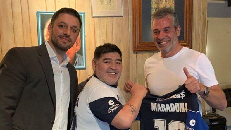 Confirmadísimo: Maradona es nuevo técnico de Gimnasia