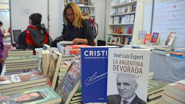 Cristina, Espert y Lousteau, los best sellers de la feria
