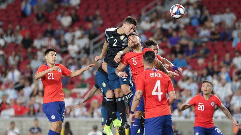 Argentina y Chile aburrieron en el amistoso disputado en Los Ángeles