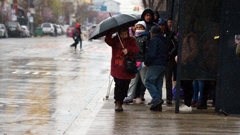 La lluvia sorprendió al Alto Valle, ¿cómo sigue el clima durante el finde?
