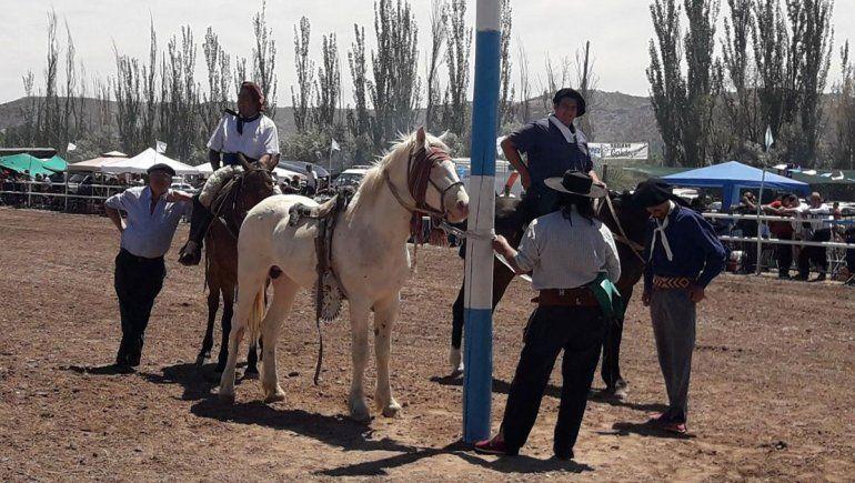 Los jinetes se suman al aniversario de la ciudad de Neuquén