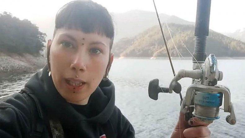La vegana de las gallinas violadas ahora arremete contra pescadores