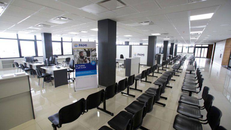Pechi estrena despacho en el nuevo edificio de la Municipalidad