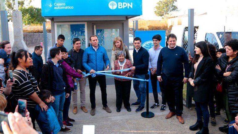 El BPN inauguró un nuevo cajero automático en el barrio Confluencia