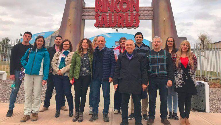 Italianos exploran inversiones en el turismo de dinos
