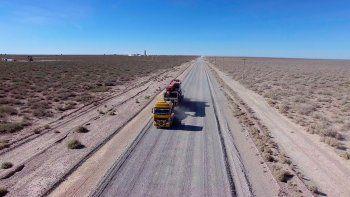 nacion dice que su prioridad es asfaltar la ruta a vaca muerta