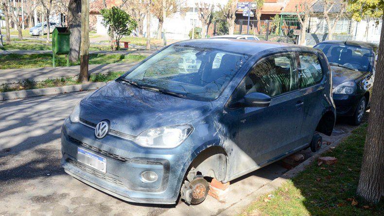 Otro ataque de los robarruedas: esta vez fue en el barrio Cumelén