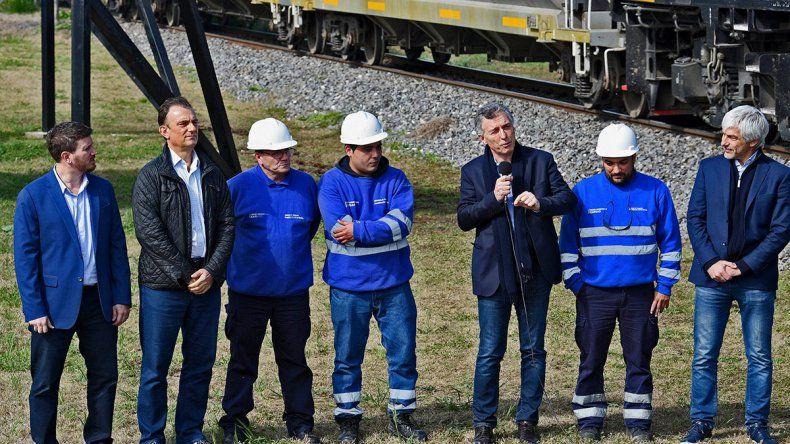El Presidente les pidió una ayuda a los industriales