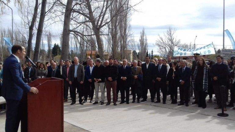 El 115 aniversario de Neuquén estuvo atravesado por la emoción y la campaña