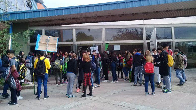 El CPE apartó al docente del EPET 6 denunciado por abuso a estudiantes