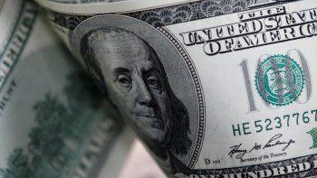 el dolar acumulo una suba de 22 centavos a pesar del central