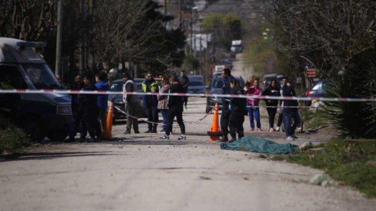 Escapaban con una camioneta robada y mataron a una peatón