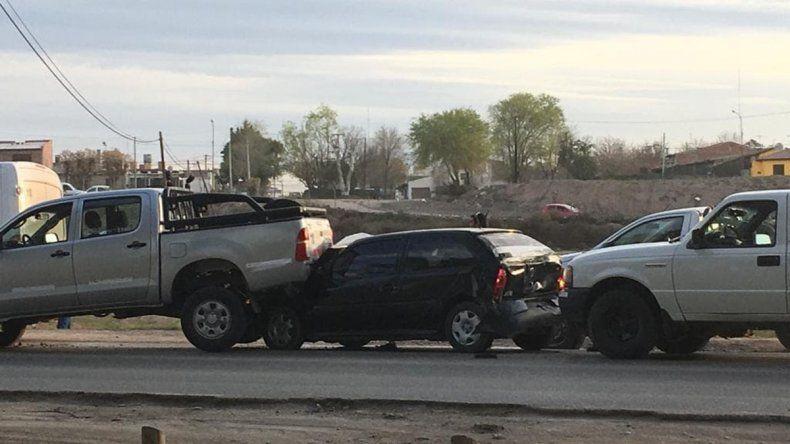 Cuatro vehículos protagonizaron un violento choque en cadena en la ruta 7: hay dos heridos