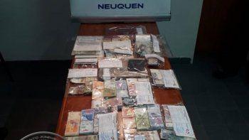 secuestraron droga y 180 mil pesos en dos kioscos narcos