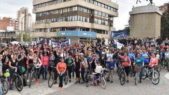 durante una bicicleteada, gaido prometio una ciudad integrada
