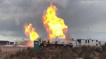 pozo incendiado: llega mas equipamiento desde houston