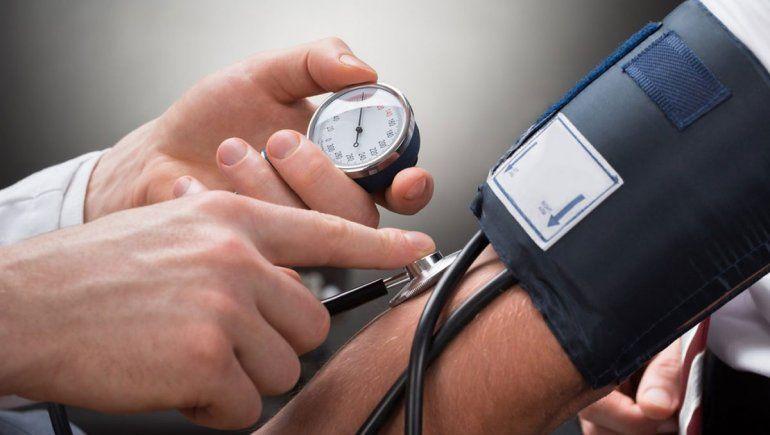Hipertensión arterial: 1 de cada 3 argentinos es hipertenso y 1 de cada 3 hipertensos no sabe que lo es