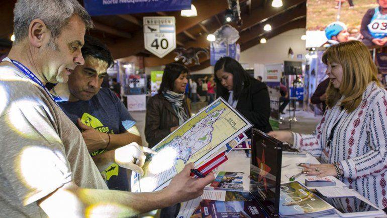 Provincia expone y promueve su turismo en una feria