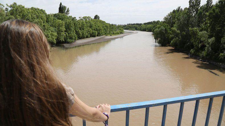 En Centenario, por el agua turbia no hubo clases en 5 escuelas