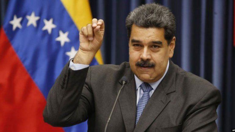 Maduro trató de estúpidos a políticos que lo critican