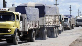 transportistas dicen que el combustible se disparo 10%