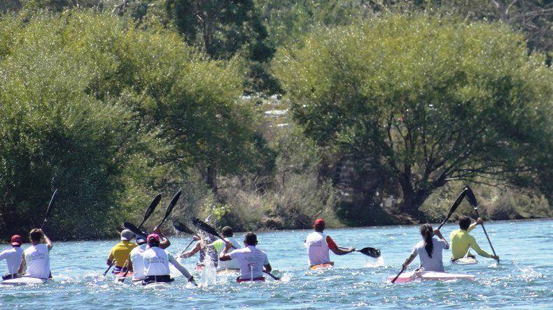 La Escuela de Canotaje de Senillosa recibe la primavera con una regata