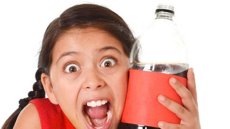 Hasta los 5 años no se debe consumir  bebidas azucaradas
