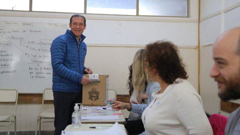 Gutiérrez tuvo problemas con la máquina para emitir su voto