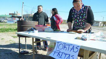 los vendedores de churros y tortas fritas aprovecharon el movimiento