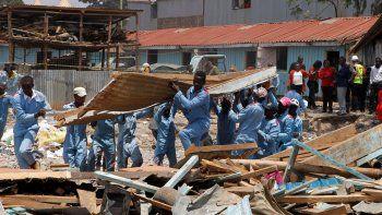 se derrumbo una escuela en kenia: siete fallecidos