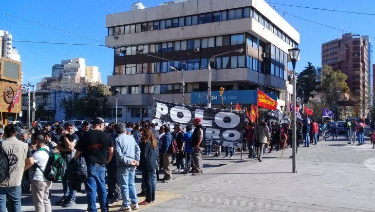 Organizaciones marcharon por el centro contra el ajuste