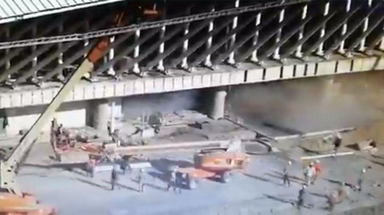 Video: así fue el momento del derrumbe en Ezeiza