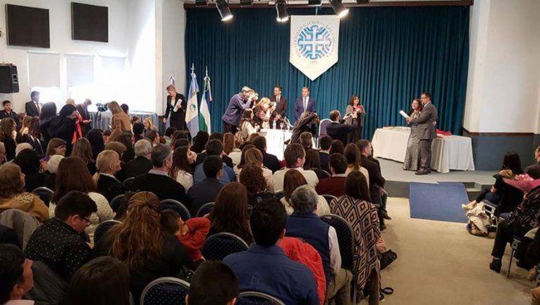 La UNCo no obligará más a jurar por Dios a sus graduados