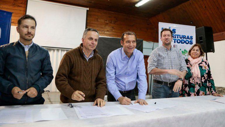 Se firmó el contrato para operar la planta de procesamiento de pescado de Piedra del Águila