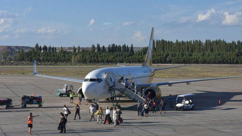 La caída de vuelos alerta a hoteleros y agencias de viajes