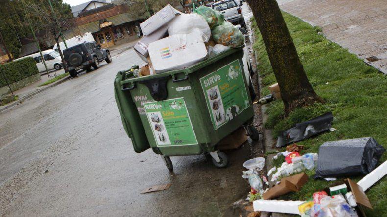 San Martín desbordada de basura por un conflicto municipal: piden un bono de $15 mil