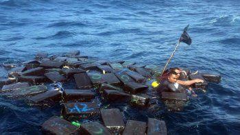 tres narcos usaron paquetes de coca para no ahogarse