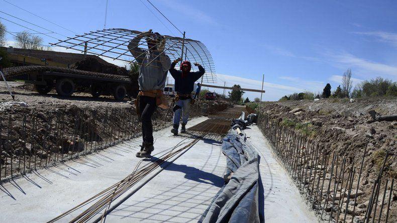 Iniciaron el asfalto de 15 calles y una obra pluvial en El Progreso